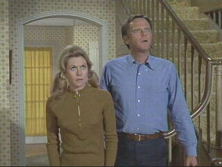 Montgomery as Samantha and Dick Sargent as Darrin in Bewitched
