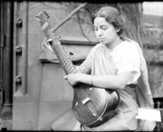 Premla Shahane playing a sitar, 1927
